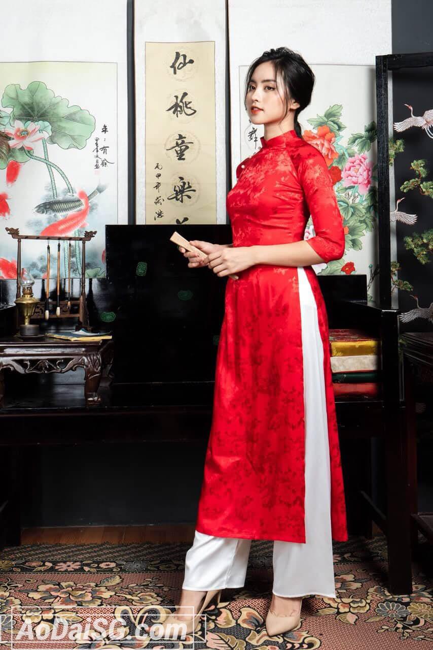 thuê áo dài tết đỏ gấm giá rẻ